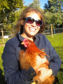 I sooo want a pet chicken!